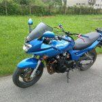 modra motorka kawasaki