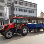 traktor s privesom