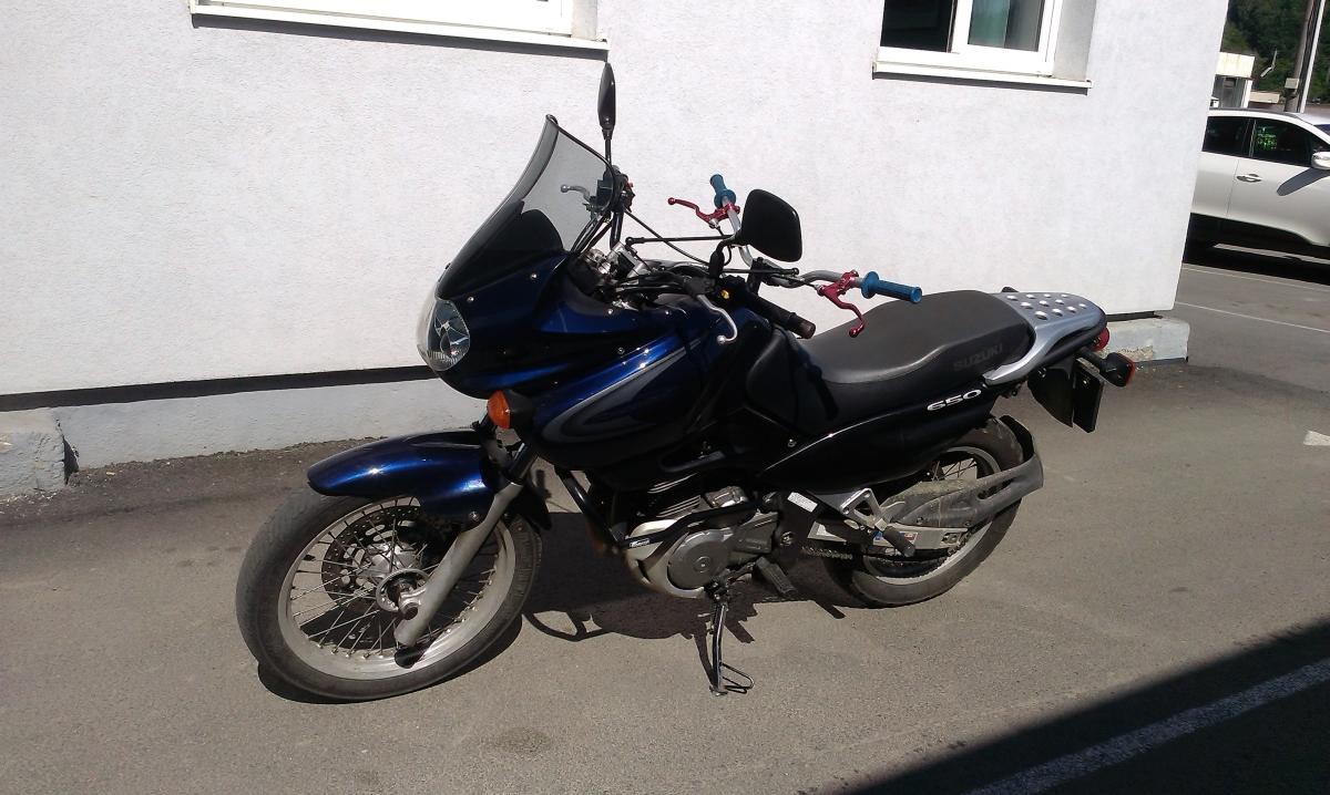 motorka suzuki 650